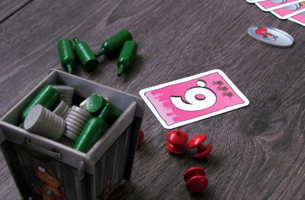 Board game review: Ab in die Tonne - game in progress