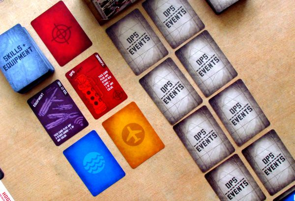 Hooyah: Navy Seals Card Game - připravená hra