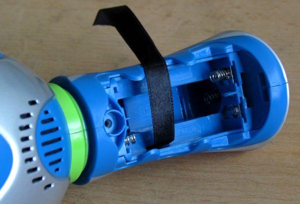 Hyperdash - otvor pro baterie