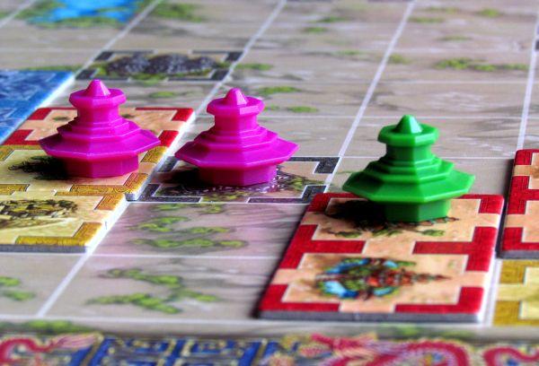 Qin - rozehraná hra