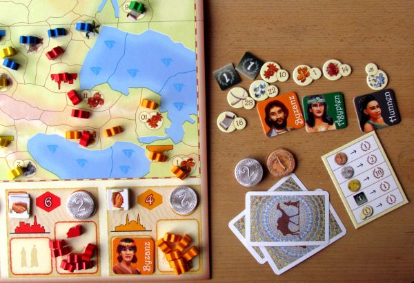 Foto: Review: Samarkand - Routes to Riches - camels and sand