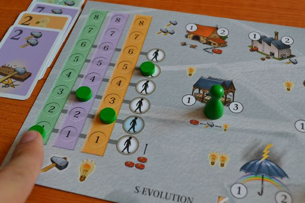 S-Evolution- rozehraná hra