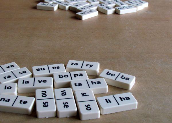 Slabiky v dominu - připravená hra