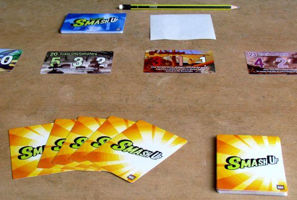 Smash Up - připravená hra