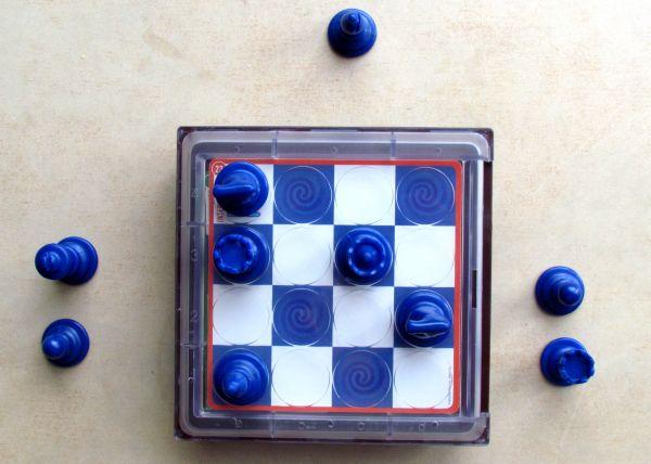 Solitaire Chess - připravený hlavolam