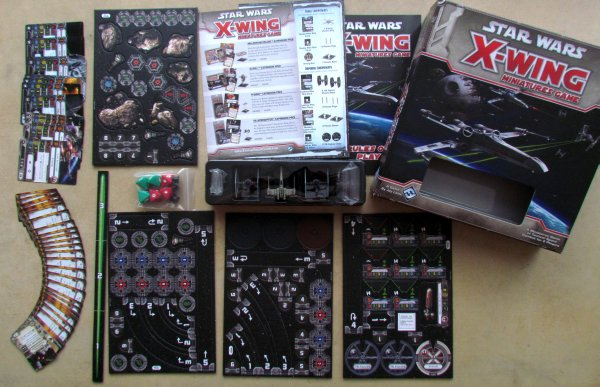 Star Wars: X-Wing Miniatures Game - packaging