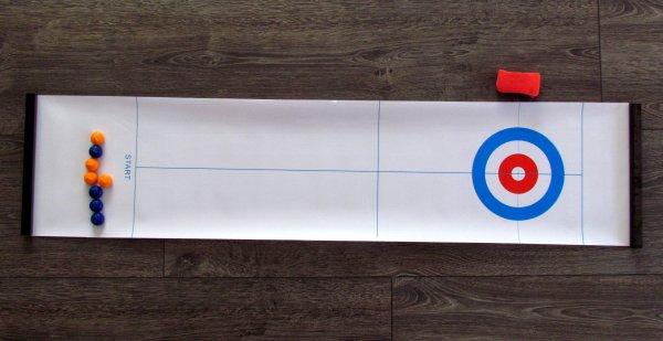 Stolní curling - připravená hra