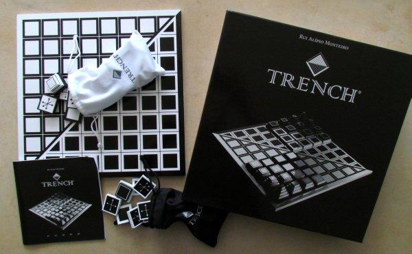 Trench - balení