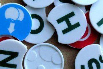 Recenze: Scrabble Twist - písmenka se kroutí