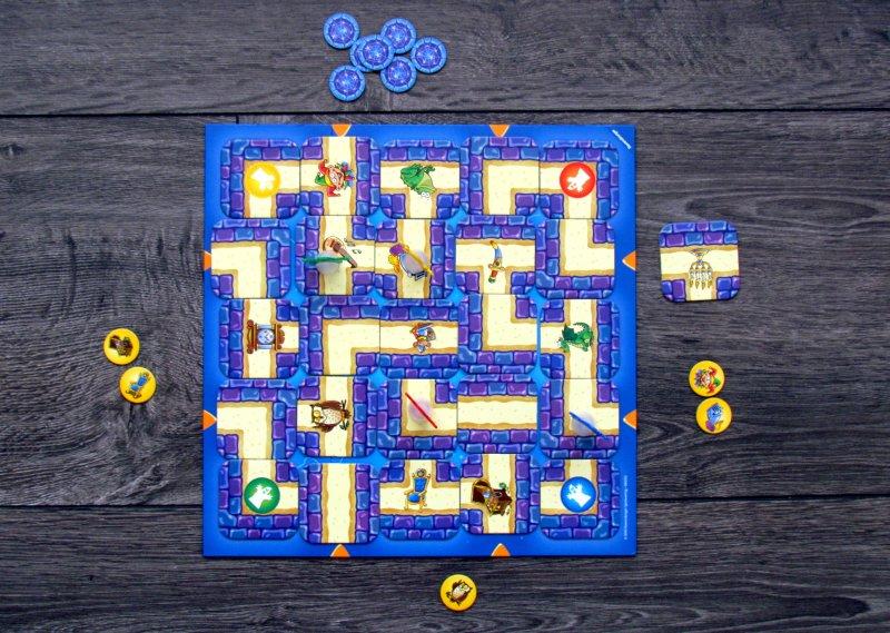 junior-labyrinth-07
