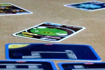 Recenze: Angry Birds a Angry Birds Space - zlotřilá prasátka v karetní hře