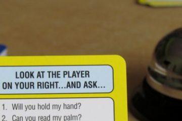 Recenze: The Yes! No! Game - karetní hra o přemlouvání